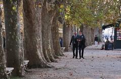 a walk (Elisa1880) Tags: city trees italy rome roma men plane walking bomen italia wandelen lopen italie castel santangelo mannen platanen