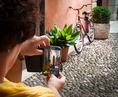 Composition (Paco CT) Tags: bicicleta bicycle transporte transportation verona veneto italy ita mobile cellular samsung people gente woman outdoor pacoct 2017