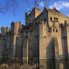 Outra vista do Castelo dos Condes... nāo consegui parar de fotografar! 🏰⚜️ (jpcamolez) Tags: outra vista do castelo dos condes nāo consegui parar de fotografar 🏰⚜️