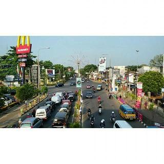 #Repost Selamat Siang, ayoo ada yang tau ini dimana? 😃 Happy lunch, lur.. #selamatsiang #lunch #away #street #kotakita #kotaserang #serang #Banten #Indonesia http://kotaserang.net/1J24vh9