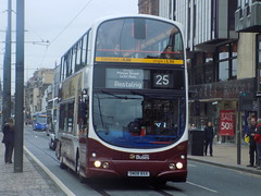 0907 SN08 BXX Lothian Buses Volvo B9TL Wright  Gemini on the 25 to Restalrig (North East Malarkey) Tags: nebuses buses public flickr publictransport transportation transport lothian lothianbuses lrtedinburgh transportforedinburgh explore inexplore google googleimages
