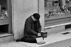 poverina (Stefano E) Tags: street blackandwhite italy candid verona poorpeople allaperto