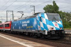 Deutsche Bahn ' 146 246' (Longreach - Jonathan McDonnell) Tags: frankfurt db frankfurtammain bombardier traxx deutchbahn dsc0308 frankfurtsud bombardiertraxx frankfurtsüdbahnhof 146246 bahnlandbayern regionaleexpress 1462464 re4614