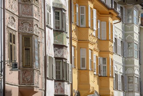 Hausfassaden in der Bozner Altstadt