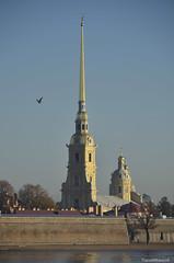 20151020_Petrus en Paulus kathedraal met de 122,5 m hoge spits (Travel4Two) Tags: c2 rusland sanktpeterburg sintpetersburg s0 5000k adl2