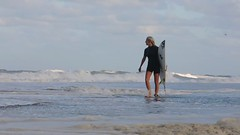surfergirl  victory walk (mtrz) Tags: surfer surfergirl fav10 fav25 fav100 fav75 michaeltross mtrz fav30fav50