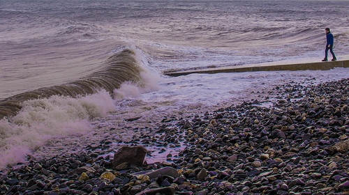 20151115-facing the wave