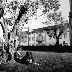 Relaxing sunset... (Srgio Miranda) Tags: street blackandwhite bw 6x6 portugal monochrome mediumformat photography streetphotography porto ilford ilforddelta400 analogphotography oporto 120mm kiev88 delta400 filmphotography ilforddelta kiev88cm filmisnotdead srgiomiranda squarephotography arsat80mm sergiomiranda