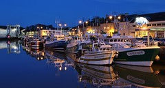 Port-en-Bessin-Huppain Calvados Basse-Normandie (letang.gilles) Tags: portenbessinhuppain calvados bassenormandie bateau chalutier boat pêche pittoresque reflection effet miroir nuit night thebluehour ville village reflet bâtiment longueexposition longexposure france