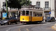 DSC00310- Żółty tramwaj z Lizbony (dreptacz) Tags: tramwaj pojazd lizbona stolica portugalia sony slt lustrzanka transport szyny żółty ulica
