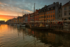 The new harbour (Pat Charles) Tags: sunset outdoor outside leadinglines copenhagen denmark danemark danish europe scandinavia clouds boats sailing boat shop shopping shops restaurant nikon nyhavn harbour harbor newharbour travel tourism city urban icon iconic classic old famous