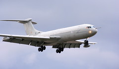 VC10 X (calzer) Tags: sqn 101 ten canon jet transport tanker flaps wheels royal air force vickers vc10 xv107 x landing plane flying kinloss raf jointwarrior081