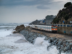 Mar 21/01/2017 (J.Bonet) Tags: sky sea renfe 447 caf sant pol de mar catalunya adif r1 train tren spain orange station railroad mediterrani mediterraneo