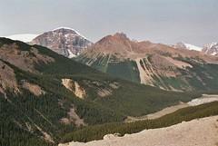 Columbia Icefield - Alberta (montse & ferran travelers) Tags: canada mountains west landscape jasper rocky paisaje glacier alberta parkway glaciar montse athabasca icefield ferran paisatge rocosas pontiak rocalloses