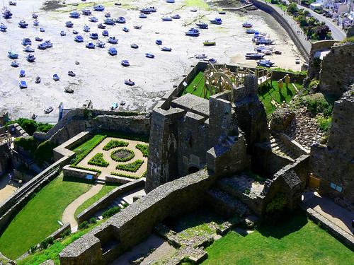 Mont Orgueil Castle por Andy Latt.