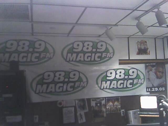 98.9 Magic FM. #1 for All of Today's Hottest Hits