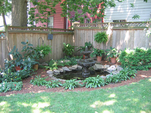 Small Shade Garden Ideas Photograph | 2006 Licking-