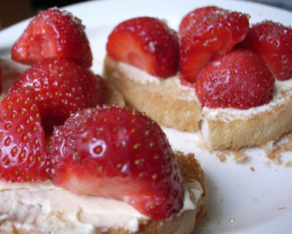 beschuit met aardbeien