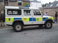 Tayside Police - Land Rover Defender at Pitlochry Scotland [EXPLORED] (conner395) Tags: police policecar polizei policia conner pitlochry polis polizia politi politie policja poliisi politsei policie polisi policija polisie ukpolice politia daveconner conner395 davidconner daveconnerinverness daveconnerinvernessscotland