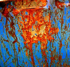Rust on a blue drum 1 - by tanakawho