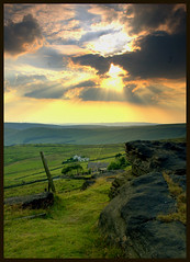 Blackstone Edge (Mike Carter) Tags: sunset topv111 topv555 nikon 500v20f searchthebest d70 yorkshire edge moors topv777 marsden fcsetsrises blackston abigfave