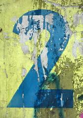 Nummer Zwei ( piktorio) Tags: blue 2 berlin wall germany typography peeling paint number peelingpaint typo