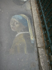 Vermeer (Daquella manera) Tags: streetart paris france art painting pavement sidewalk vermeer francia pintada parisian pintura suelo parisienne artecallejero pearlearring
