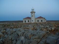 Punta Nati III: Far (horitzons inesperats) Tags: lighthouse far menorca pasoscatalans paisoscatalans balearicislands balears illesbalears horitzonsinesperats puntanati