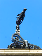 Trafalgar Square plinth (gwallter) Tags: horse london square hans trafalgar gift plinth haacke