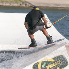 CFR7736 (Carlos F1) Tags: nikon d300 300mm castelldefels canal olimpic ocp cable park wakeboard fise wakeskate kneeboard jump salto tabla agua water sport deporte transport transporte board rio river channel extreme xtreme boardsports barcelona spain surf surfing wakeboarding kneeboarding