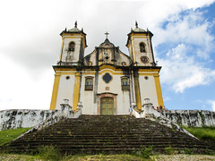 Ouro Preto Church (D Song) Tags: old city travel blue sunset brazil sky panorama playing mountains streets green heritage church architecture kids buildings children churches panoramic historic unesco cobblestone vista belohorizonte hilly favela ouropreto slums