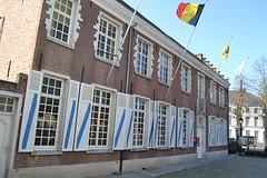 Gemeentehuis, Moerzeke (Erf-goed.be) Tags: gemeentehuis wethuis moerzeke hamme archeonet geotagged geo:lon=41526 geo:lat=510626 oostvlaanderen