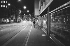 Streetdog (Silvio Naef) Tags: zürich streetphotography contax night film