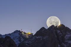 Moon Collision (DaOpfer) Tags: alpen bavarian bayern berg hdpentaxdfa150450mmf4545eddcaw k1 landscape landschaft lichter lights lunar mond moon mountain nacht natur nature pentax waxenstein zugspitze collision heimatblendede kollision newyear night silverster topofgermany werdenfels