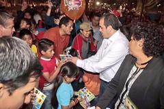 ENTREGA CUAUHTÉMOC BLANCO JUGUETES EN PLAZA DE ARMAS EN EL DÍA DE REYES https://t.co/FEpMkDQ4sP https://t.co/Pzg1M2func (Morelos Digital) Tags: morelos digital noticias