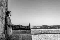 Contemplazione (ElGrillo89) Tags: pentax pentaxk3 k3 contemplazione contemplation man uomo biancoenero bianconero blackwhite blackandwhite bw bn montepulciano toscana tuscany landscape paesaggio campagna country countryside