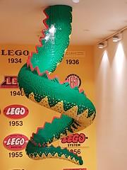 20170119_145223 (COUNTZERO1971) Tags: lego london legostore leicestersquare toys buildingblocks brickculture