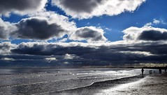Beach, Sea and Cloud (Paul Thackray) Tags: yorkshire eastriding bridlington beach clouds 2017