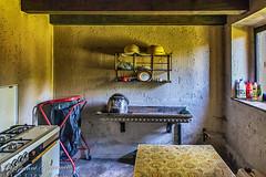 Cucina nel rifugio   IMG_5027_HDR-1 (gianni.giacometti) Tags: italia carnia fvg cucina rifugio friuli casera rifugi bivacco casere bivacchi invillino