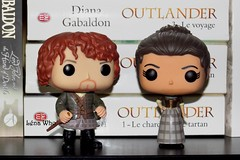 Jamie and Claire ! (Lena Who) Tags: claire jamie pop collection diana fraser figurine funko outlander gabaldon