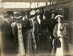 Emmeline Pankhurst, Emmeline Pethick Lawrence and others, c.1911.
