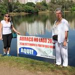 Caminhada pela paz organizada pela Associação Médica de Londrina e realizada no dia 20/09/2015, terminando com o Abraço no Lago, organizado pela ONG Londrina Pazeano e pelo COMPAZ. A Caminhada teve a participação de várias religiões em Londrina, incluindo os espíritas representados pelos trabalhadores e frequentadores do Centro Espírita Nosso Lar.