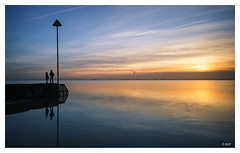 L1004127 (robert.french57) Tags: d47 thorpe bay coast blue sea seaside southend shoeburyness reflections bob robert french 57 leica m 240 24mm lens sun sunset yellow gold people young space calm tide