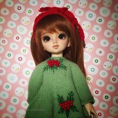 A Christmas Tansy (queenbee2zz) Tags: maranbanuknitwear dollbakeryeyes angeltoastaestheticsfaceup tansy chinatsu yosd volks