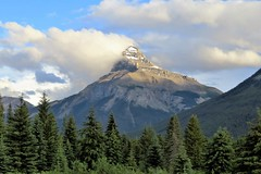 Mont Pilot (Patricia Henschen) Tags: moosemeadows banffnationalpark banff nationalpark parkscanada park parcs parks alberta canada trees clouds boreal forest rockies canadian northern canadianrockies bow bowvalleyparkway roadside mountains mountain mount mont pilot