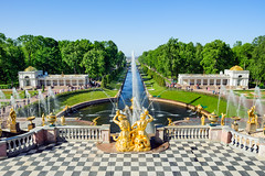 Fontaines au Palais de Petrodvoretz (Voyages Lambert) Tags: triton antique petergof goldcolored statue sculpture majestic gold famousplace people stpetersburgrussia russia europe day summer waterfall balcony cathedral formalgarden parkmanmadespace fountain