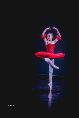 Dancling (Photo Alan) Tags: dance dancing dancer ballet vancouver girl people canada red