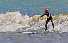 Hjälmförsedd 4 (Quo Vadis2010) Tags: westcoast västkusten kattegatt hallandslän halland municipalityofhalmstad halmstadkommun halmstad sandhamn görvik cityofsurfers wavesurfing wavesurf vågsurfing vågsurf surfing surf vågor våg sea hav beach strand surfbräda bräda sport activity aktivitet lifestyle livsstil se