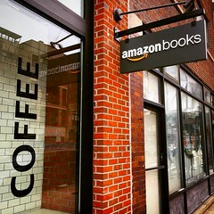 #Repost @tracyess ・・・ Went to check this place out today. #amazonbooks #amazon #coffee #chicago #southportcorridor (southportcorridorchicago) Tags: instagramapp square squareformat iphoneography uploaded:by=instagram southport southportcorridor chicago wrigleyville lakeview