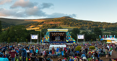 Green Man Festival 2015 (David.R.Evans) Tags: sunset people music man mountains green festival set wales stage main crowd greenmanfestival breconbeacons brecon beacons filming liveperformance musicfestival sessions blackmountains greenman mainstage 2015 llens staves 24105mm livesession eflens canon24105mm festivallife setchange canon5dmkiii thestaves greenmanfestival2015